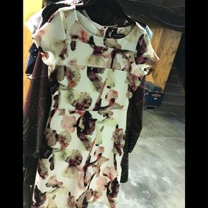 Ivanka Trump, sz 6, off white, with pink colors,